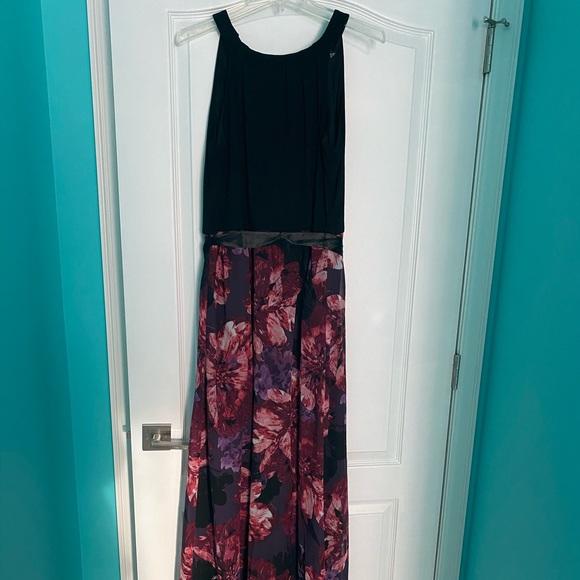 SLNY Dresses & Skirts - SLNY Chiffon Dress